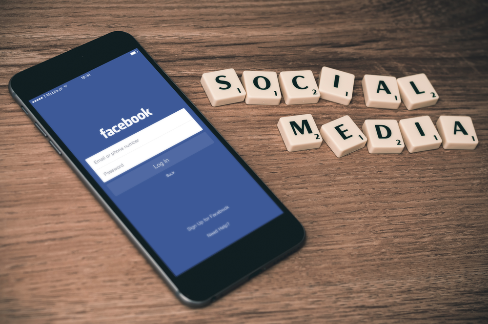 sell courses using Facebook