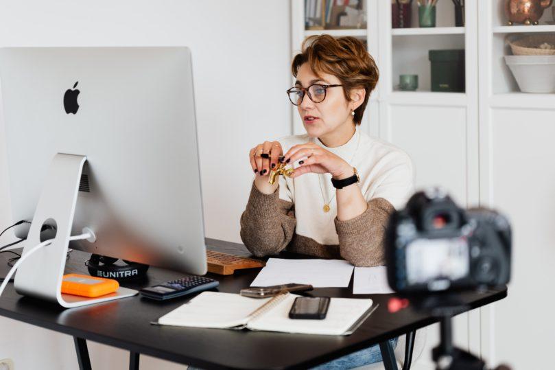 How to become an online teacher